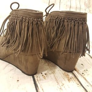 Sugar Fringe Wedge Booties Size 8M